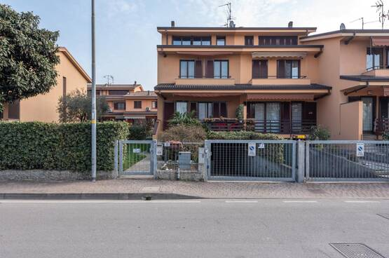 Villa a schiera Rodano MD8067