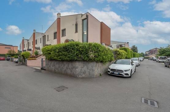 Villa a schiera Rodano MD8107